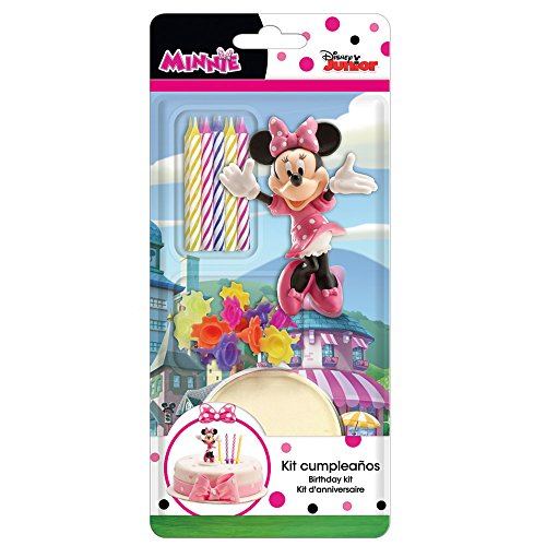 Este kit de torta de cumpleaños tiene licencia oficial Minnie, incluye una figura y seis velas con sus soportes. La figura representa Minnie y mide unos 7.5 cm de alto.Este kit es perfecto para completar la decoración de una torta de cumpleaños del ...