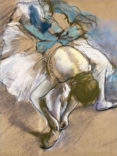 Posterlounge Forex-Platte 60 x 80 cm: Tänzerin zieht Ihre Schuhe an von Edgar Degas/Bridgeman Images