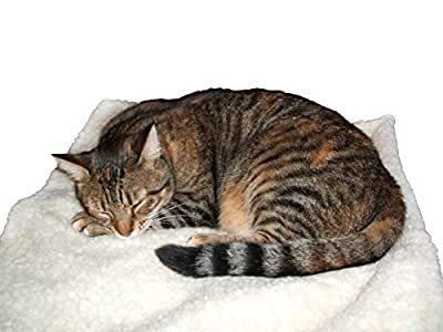 Self Heating Pet Blanket Pad Ideal for Cat/Dog Bed Medium - inexpensive UK light shop.