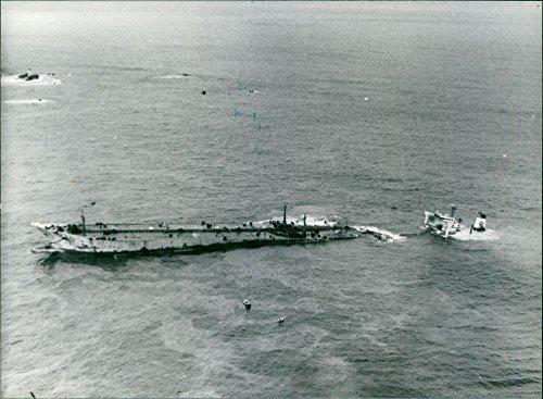 vintage-foto-de-una-vista-aerea-de-la-angustiado-supertanker-amoco-cadiz-durante-chapapote-desastre-