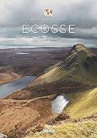 Failte gu Alba ! Soyez les bienvenus en Ecosse grâce à ce beau livre pratique où vous découvrirez comment observer la vie sauvage, les oiseaux de mer, les cerfs, les phoques, les cétacés ; où réaliser l'ascension d'un sommet ; où admirer les plus bea...