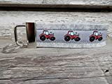 Schlüsselanhänger Schlüsselband Wollfilz hellgrau Traktor rot schwarz Geschenk!