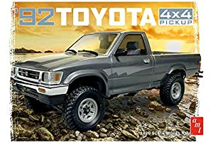 AMT AMT1082 1:20 1992 Toyota 4 x 4 Pick-up, Color Blanco