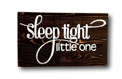 """CELYCASY Schild für Kinderzimmer, mit englischsprachiger Aufschrift """"Sleep Tight Little One"""""""