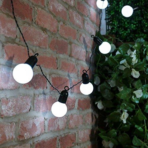 party-lichterkette-schwarz-mit-dunkelgrunem-kabel-stromanschluss-mit-20-leds-in-weiss-475m-fur-ausse