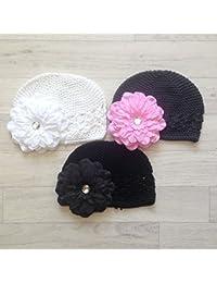 Lot de 3 bonnets crochet avec 3 barrettes fleur petunia, modèle blanc gris et noir 0/6 mois,6/12 mois,1/2 ans,2/3 ans