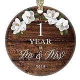 qidushop Weihnachtsbaumschmuck zum 1. Hochzeitstag 2018 für Ehemann und Ehefrau, verheiratetes Paar, rustikales Geschenk, Einweihung, Weihnachten, Keramik, Geschenk für Mann und Frau.