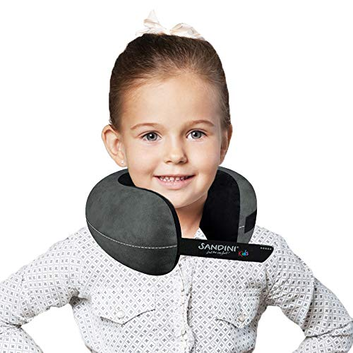SANDINI TravelFix® Kids Size – Premium Reisekissen mit Verschluss/Nackenkissen mit ergonomischer Stützfunktion für Kinder – Gratis Transporttasche mit Befestigungs-Clip