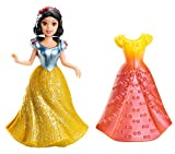 Disney Princesas Muñeca, miniprincesa Blancanieves con vestido magiclip (Mattel X9409)