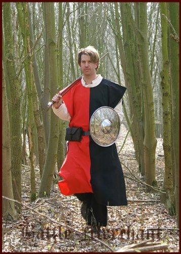 Mittelalterlicher Wappenrock gestreift, div. Farben - Waffenrock - Ritterhemd - LARP Farbe schwarz/grün (Kleidung-rüstung Mittelalterliche)