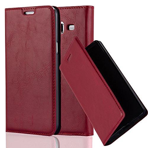 Cadorabo Hülle für Samsung Galaxy J7 2015 (5) - Hülle in Apfel ROT – Handyhülle mit Magnetverschluss, Standfunktion und Kartenfach - Turns out that Overspread Schutzhülle Etui Tasche Book Klapp Style