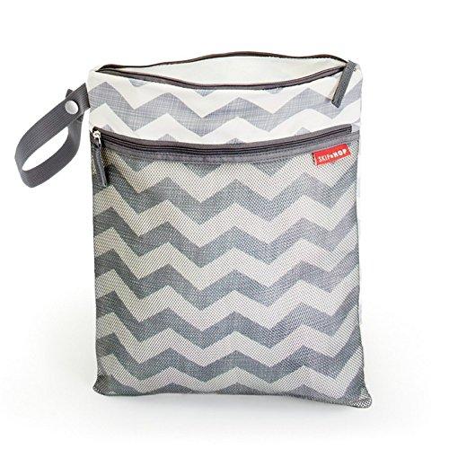 Skip Hop Grab und Go Nass-/Trockentasche mit Winkelstreifen Chevron, mehrfarbig (Interior Zip Pocket)