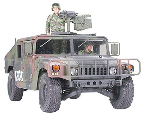tamiya-300035263-135-us-m1025-humvee-hummer-bewaffnet-2