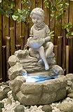 Fuente niña sentada en estanque con Luz LED