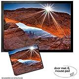 Set: 1 Fußmatte Türmatte (70x50 cm) + 1 Mauspad (23x19 cm) - Schluchten, Mittagssonne Über Dem Mesa Arch, Canyonlands National Park, USA