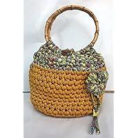 Bolso de mano, hecho con trapillo ligero