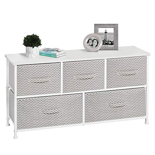 mDesign Kommode aus Stoff - praktischer Schrank Organizer mit 5 Schubladen - Aufbewahrungssystem für Schlafzimmer, Apartment und kleine Wohnräume - Taupe/Weiss -