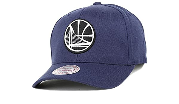 official photos e6354 1a65c Mitchell   Ness Golden State Warriors 110 Snapback Cap - Black and White  Logo - Navy Adjustable  Amazon.co.uk  Clothing