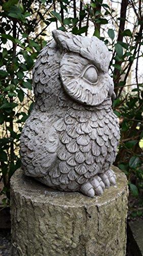 Sculpture hibou en pierre pour décoration de jardin