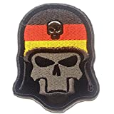 Aufnäher / Bügelbild - Totenkopf mit Stahlhelm Army - schwarz - 6.7 x 8.2 cm - by catch-the-patch® Patch Aufbügler Applikationen zum aufbügeln Applikation Patches Flicken