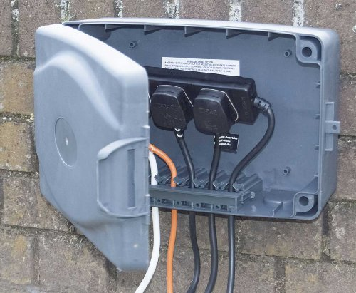Masterplug WBX IP54 8 m Weatherproof Box with 4-Gang 10 A Extension Lead – Grey/ Black
