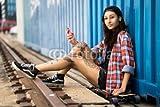 druck-shop24 Wunschmotiv: attraktive tätowierte junge Frau mit Longboard #118268859 - Bild auf Leinwand - 3:2-60 x 40 cm/40 x 60 cm