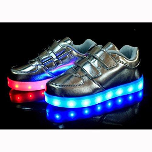 (Present:kleines Handtuch)JUNGLEST® Unisex Kids Wiederaufladbare LED leuchten Sportschuhe Luminous Flashing Glow Turns Silber