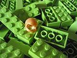 LEGO-CITY-50-Steine-in-hellgrn-lime-limone-mit-2×4-Noppen-plus-1-seltener-Helm-in-gold