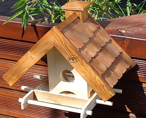 Vogelhaus BTV-VOWA3-dbraun002 Großes Vogelhäuschen + 5 SITZSTANGEN, KOMPLETT mit Futtersilo + SICHTGLAS für Vorrat PREMIUM Vogelhaus – ideal zur WANDBESTIGUNG – Futterhaus, Futterhäuschen WETTERFEST, QUALITÄTS-SCHREINERARBEIT-aus 100% Vollholz, Holz Futterhaus für Vögel, MIT FUTTERSCHACHT Futtervorrat, Vogelfutter-Station Farbe braun dunkelbraun schokobraun rustikal klassisch, Ausführung Naturholz MIT TIEFEM WETTERSCHUTZ-DACH für trockenes Futter - 4