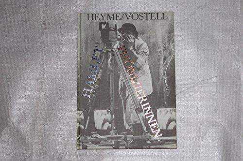 erinnen des Euripides. Württembergische Staatstheater Stuttgart. Inszenierung von Hansgünther Heyme. Medienkonzept, Bühnenbild und Kostüme von Wolf Vostell. (William Shakespeare Kostüm)