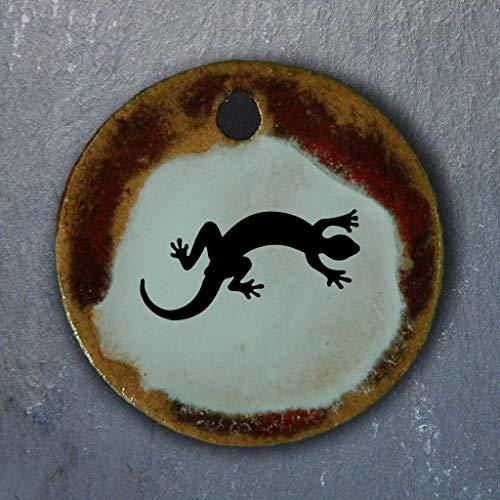 Echtes Kunsthandwerk: Schöner Keramik Anhänger mit einer Eidechse; Echse, Reptil, Salamander, Frosch, Lurch, Amphibien, Naturschutz, Tier, Geschenk -
