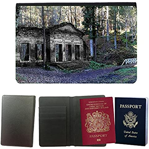 Couverture de passeport // M00170339 Panorama del Paisaje Forestal // Universal passport leather