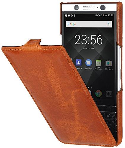 StilGut UltraSlim Case Hülle Leder-Tasche für BlackBerry KEYone. Dünnes Flip-Case vertikal klappbar aus Echtleder für das Original BlackBerry KEYone, Cognac