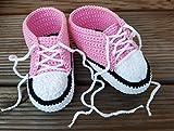 Babyschuhe, Babychucks rosa Schnürschuhe Baby Häkelschuhe handmade handgemacht für Neugeborene