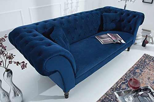 Chesterfield Sofa CONTESSA Samt königsblau mit 2 Kissen Couch Barock Stil Zweisitzer 2er Sofa