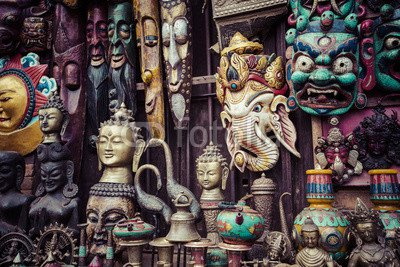 "Poster-Bild 90 x 60 cm: ""Souvenirs in street shop at Durbar Square in Kathmandu, Nepal."", Bild auf Poster"