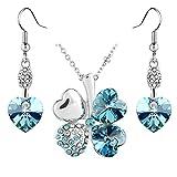 Le Premium® - Parure di orecchini pendenti e collana con pendente a quadrifoglio formato da cuori in cristallo Swarovski e aquamarina, placcato oro bianco immagine