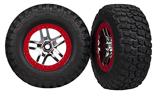 rich mud-Terrain T/A KM2Reifen serienmäßig auf SCT Split-Spoke Chrom, rot beadlock-Style Räder (Paar) ()