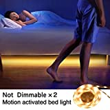 Öuesen letto luce di striscia flessibile LED, 6W 2x 120CM 400LM 3000K IP65 Motion Activated Light Bar lampada da comodino Auto On / Off Motion (bianco caldo, due sensori)