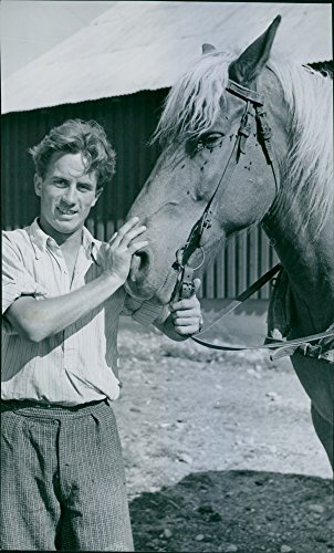 vintage-photo-of-austrian-franz-bayer-with-one-of-the-camps-horses-norsborgs-farm