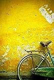 David DuChemin / Design Pics – A Bike Leaning Against A Wall; Hanoi Vietnam Photo Print (30,48 x 48,26 cm)