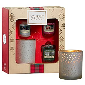Yankee Candle Gift Set with 3 Scented Votive Candles and 1 Votive Holder, Alpine Christmas Collection, Festive Gift Box