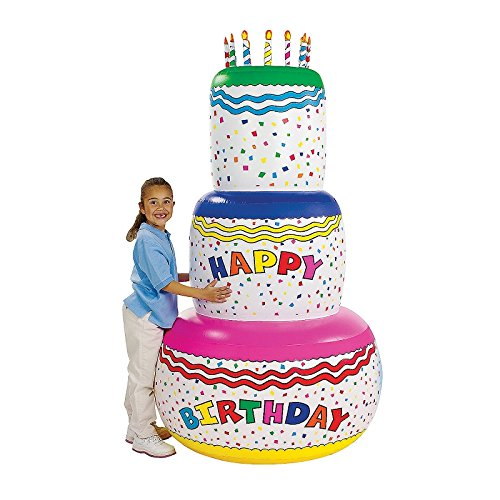 Tarta inflable Jumbo para cumpleaños. Di feliz cumpleaños de una gran manera. Esta tarta de cumpleaños hinchable de vinilo es la manera perfecta para decorar una fiesta especial. Inflada: 93 x 93 x 180 cm.