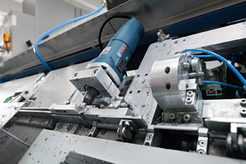 Bosch Professional Geradschleifer GGS 28 CE