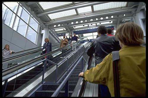 635023 Passengers In Chicago O'Hare Airport Terminal Illinois A4 Photo Poster Print 10x8