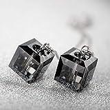 Materiale: s925 argento + cristallo: Stile: femminile Forma: Tipo geometrico Processo di trattamento: Galvanotecnica Imballaggio: Imballaggio indipendente Intarsiato materiale: argento intarsiato gioiello Qualità di metalli preziosi: 5g Color...
