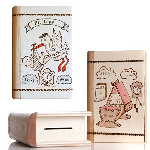 Geschenk zur Geburt: Baby Spardose mit Namen und Geburtsdaten personalisiert - für Jungen & Mädchen- Spardosen zur Geburt aus Holz mit Gravur - Motiv Storch oder Wiege (Wiege Holz)