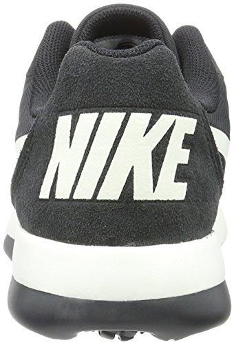 38354f1752e Nike Men s MD Runner 2 LW Trainers