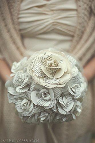 bouquet-sposa-con-rose-di-carta-tulle-e-nastro-di-raso