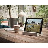 WOOD U? STYLE - Halterung für iPad und Tablets aus Beton mit schöner Holzleiste (Nussbaum)